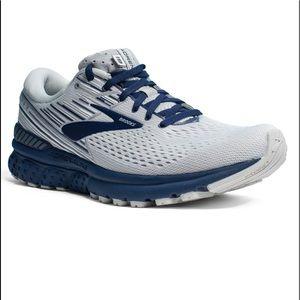 Brooks Adrenaline GTS 19 Running Shoe Gray and Blue Mens 8 Women's 9.5